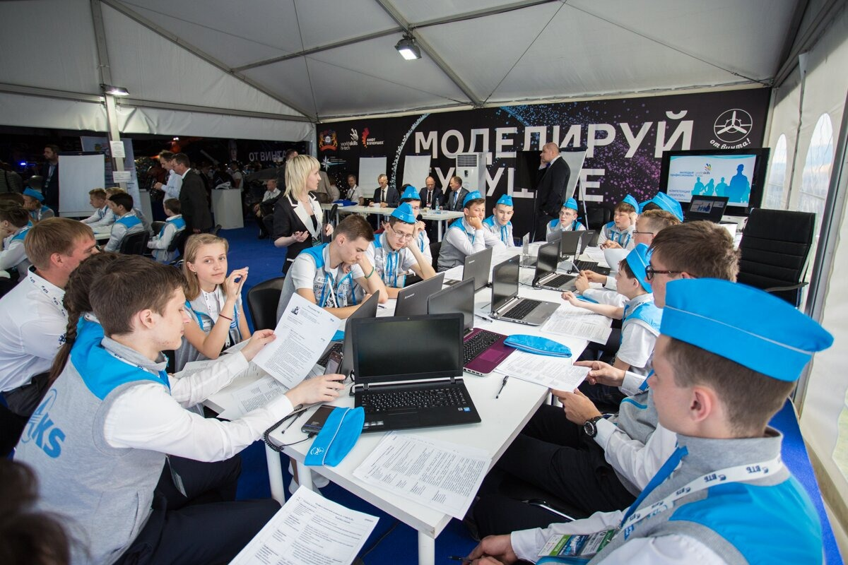 Свыше 150 молодёжных проектов представит фестиваль «От Винта!» на МАКС-2019
